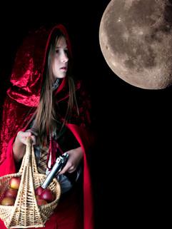 Chaperon rouge sous la Lune