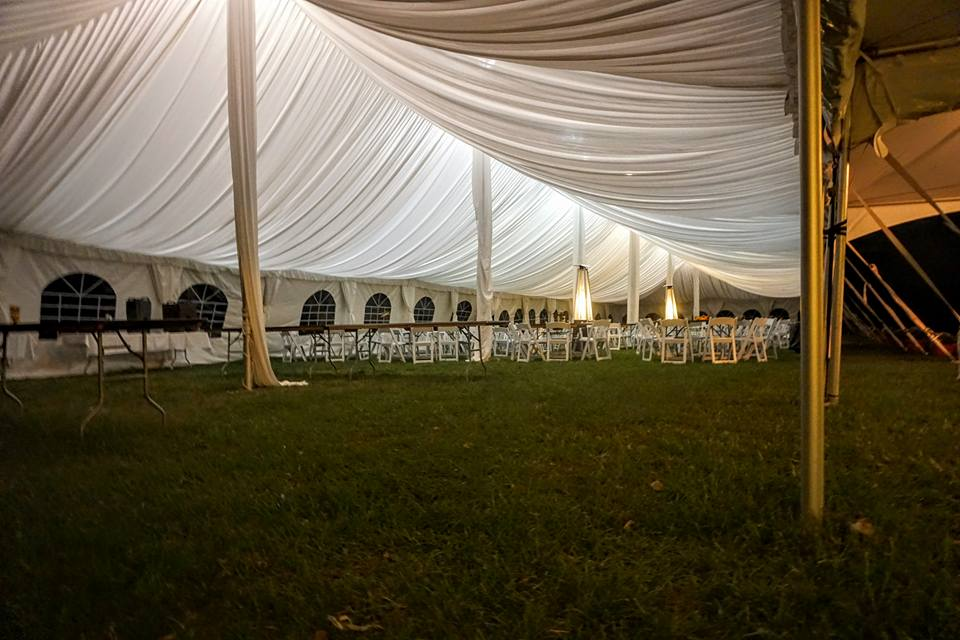 Pole Tent with Tent Liner