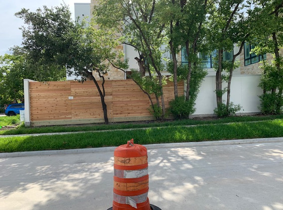 Horizontal Style Fence with rot board