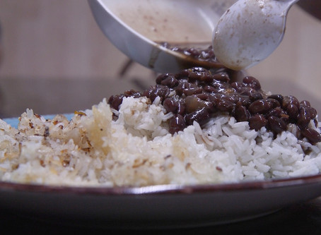 THIS DOMINCAN GRANDMA DISHES OUT SOME SERIOUS EATS