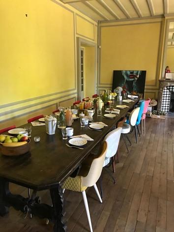 Petit déjeuner dans le grand salon