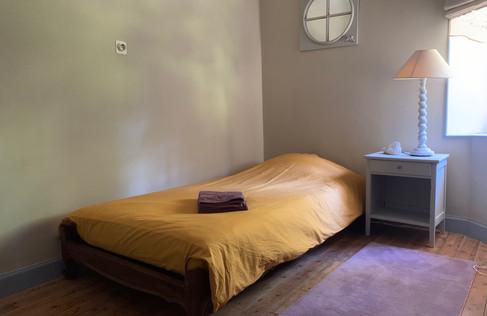 Chambre enfant lit simple