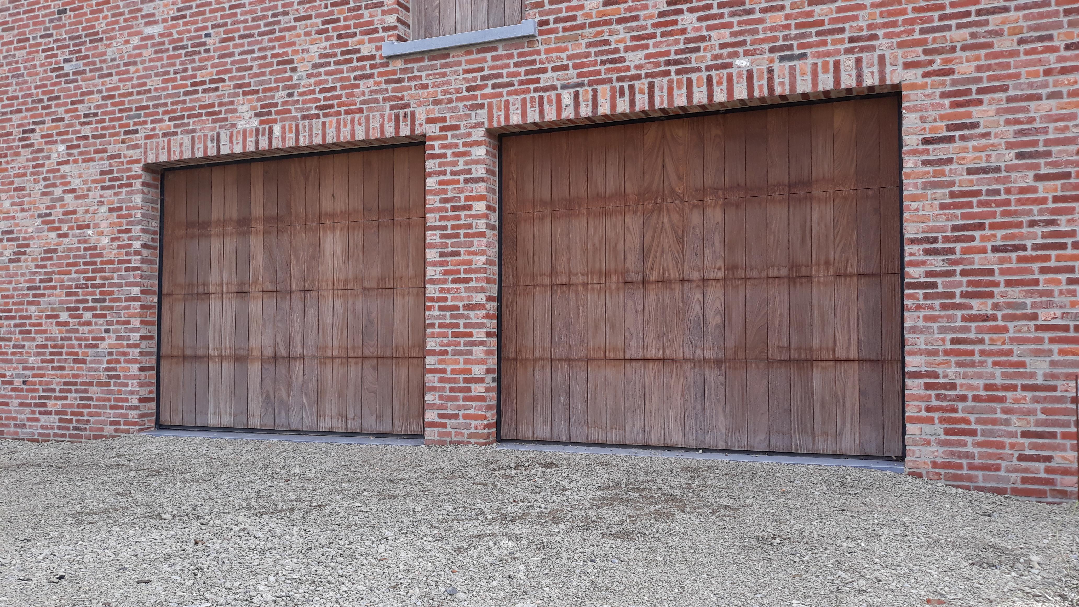 garagepoort met hout bekleed