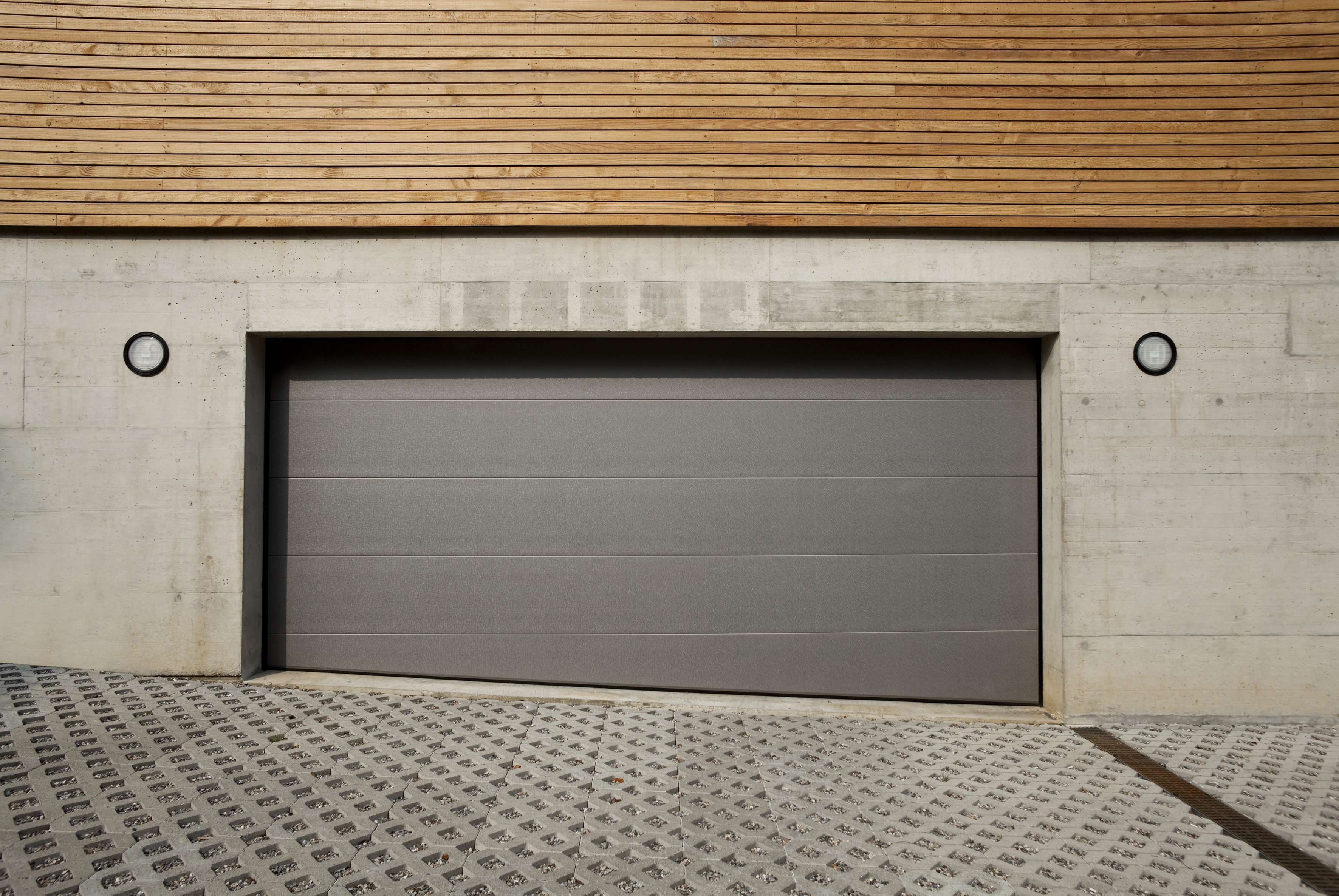 Sectionaaldeur op ongelijke vloer