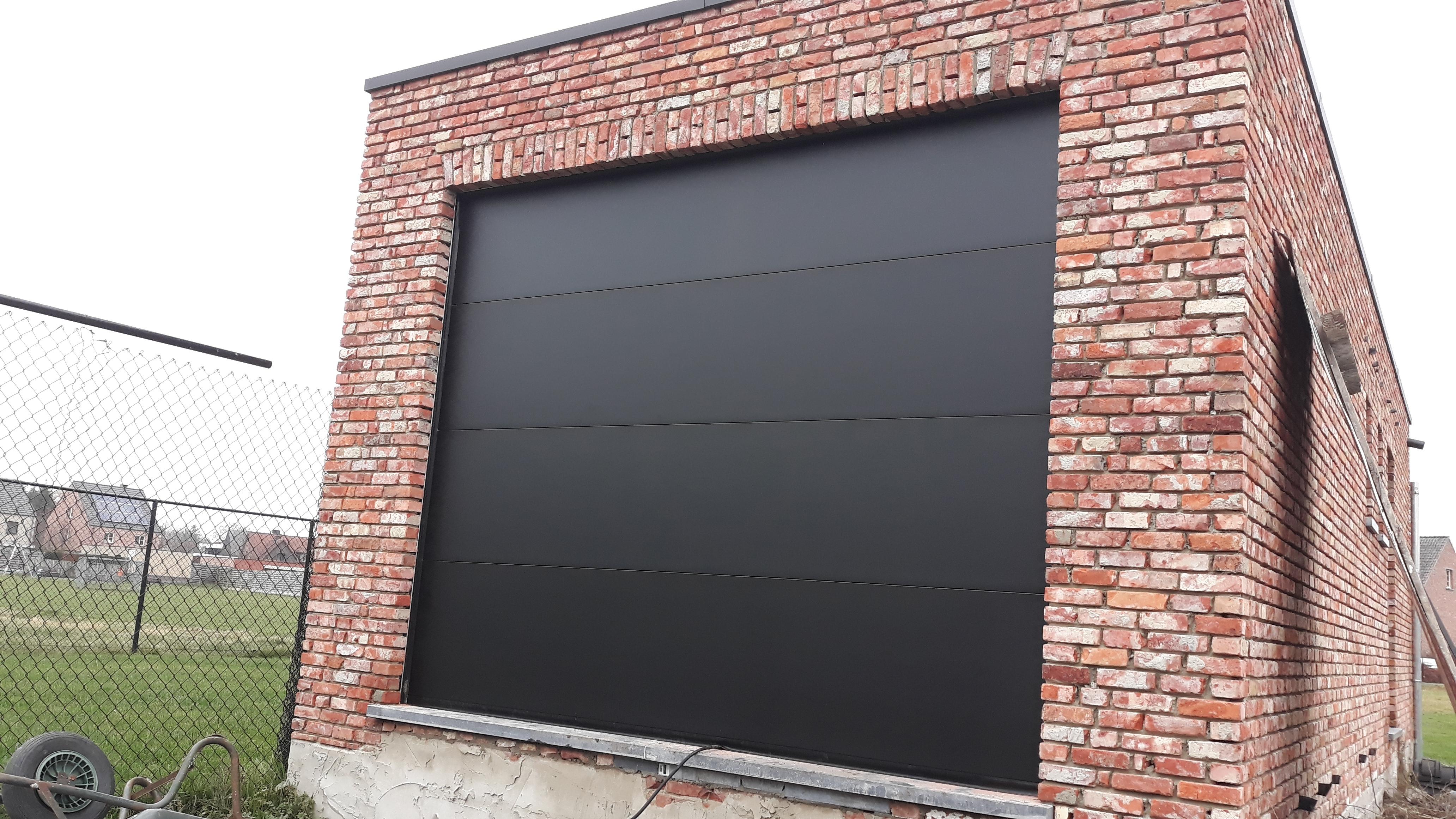 Sectionaalpoort vlakke panelen