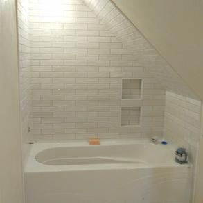 Walls-United Sant Agostino Shadbrick Light 3x12  Floor- United Crossville Altered State White Hot