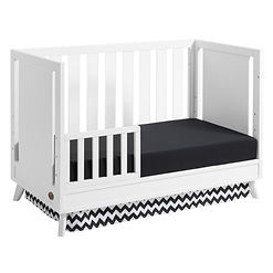 Holland-White-Island-Toddler-bed-Angle.j