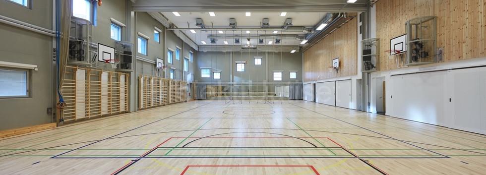Klasataman peruskoulu 500 m2 liikuntasal