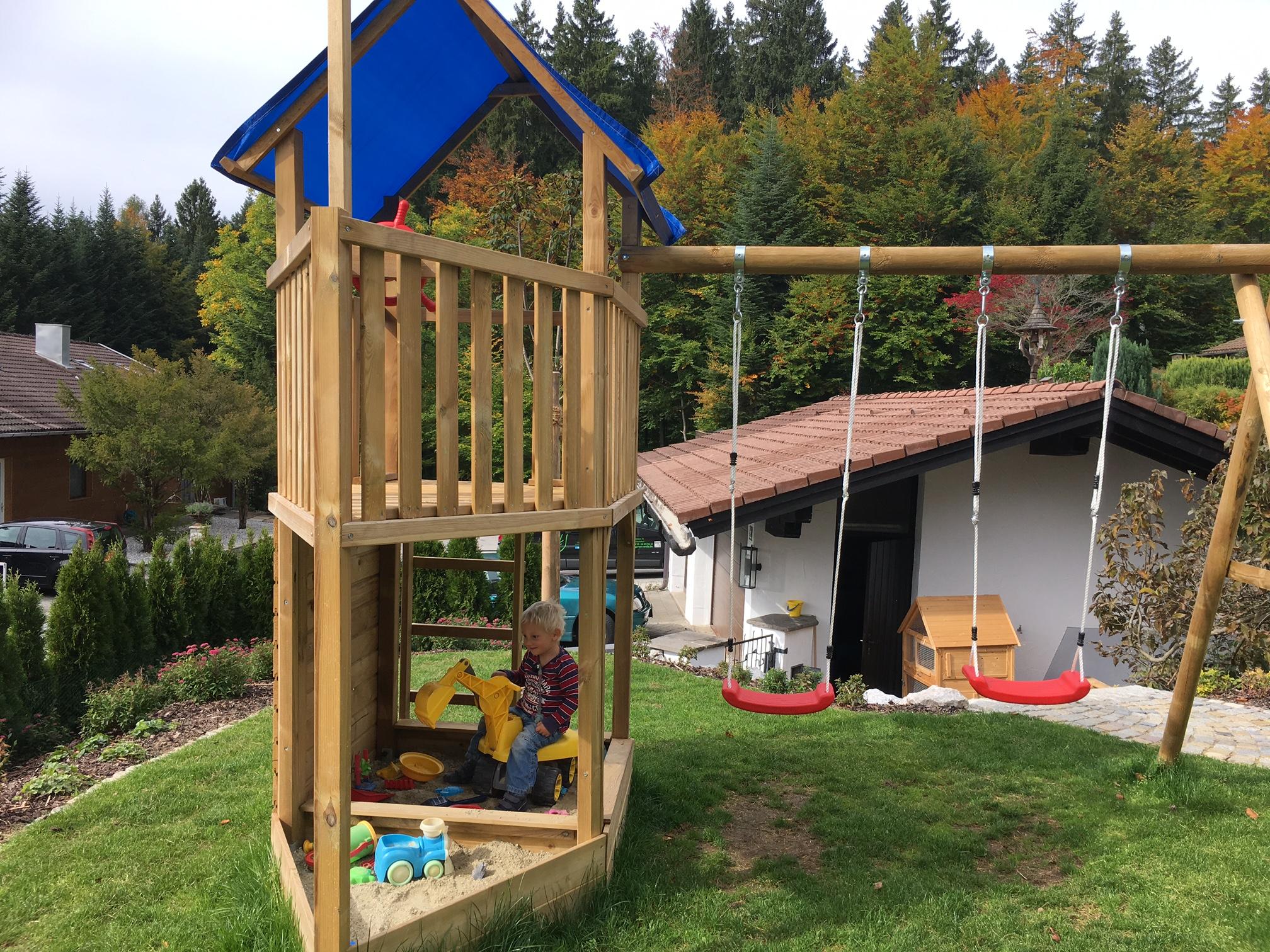 Spielplatz im eigenen Garten