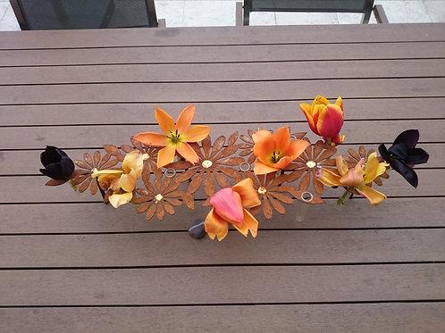 Edelrost Tischdeko Blumen mit Goldmitte
