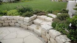Naturstein und Kräuter