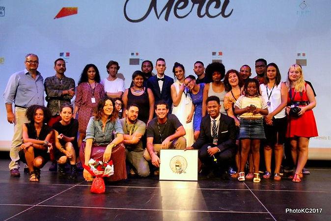 Promo 2017 entourée des partenaires et des invités de la Soirée Cinékour, La Cité des Arts de La Réunion, Mars 2017