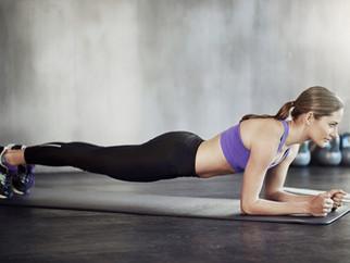 7 einfache Bauch-Übungen für zwischendurch