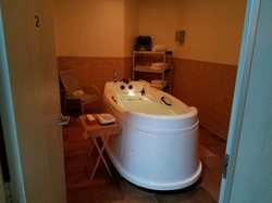 Couple's Hydrotherapy Tub