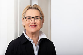Dr. Gerlinde Kempendorff-Hoene, FotoCaroHoene 2021,1280px.jpg