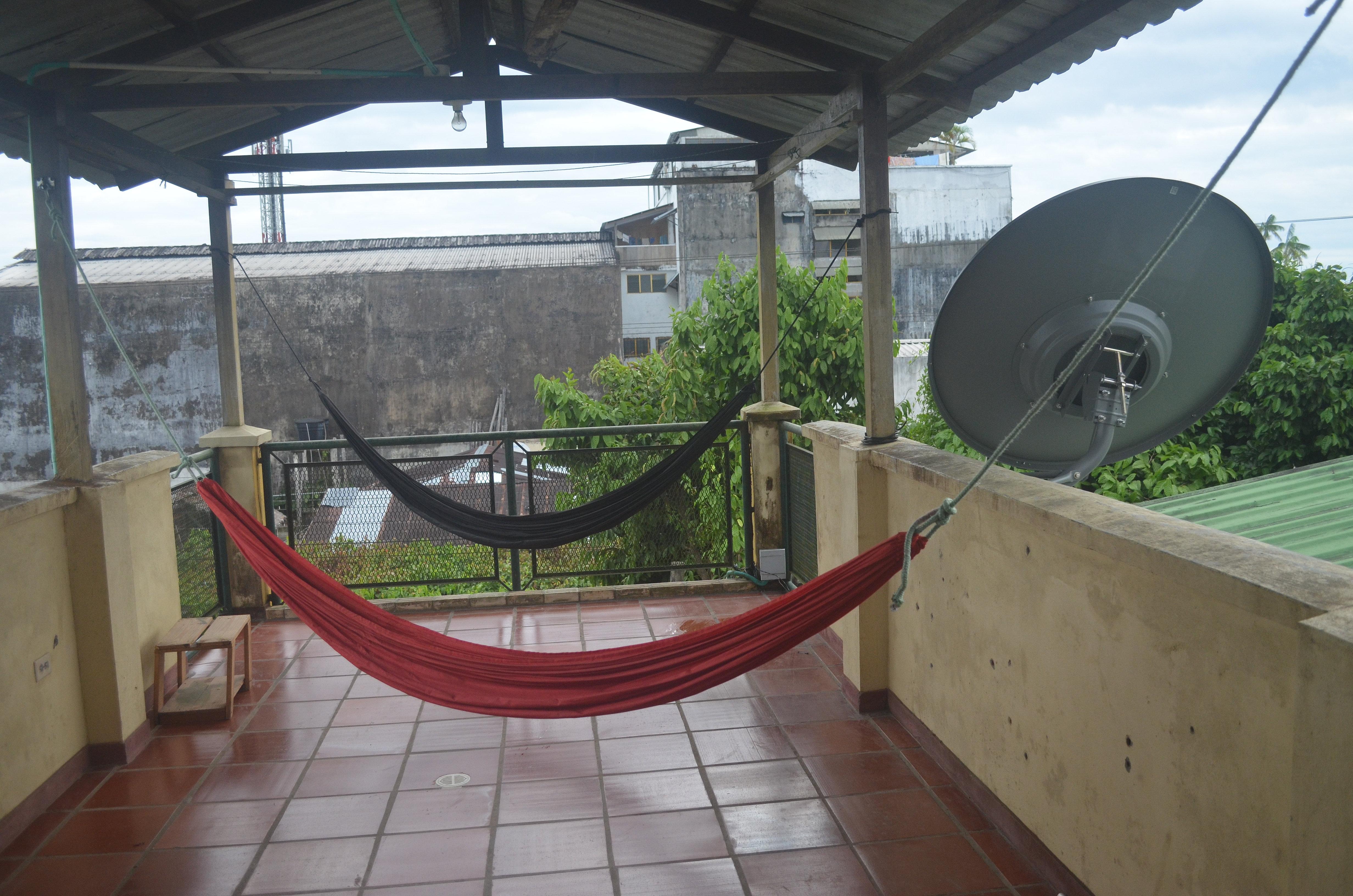Casadelkurupira terraza de hamacas for Nebulizadores para terrazas de bares