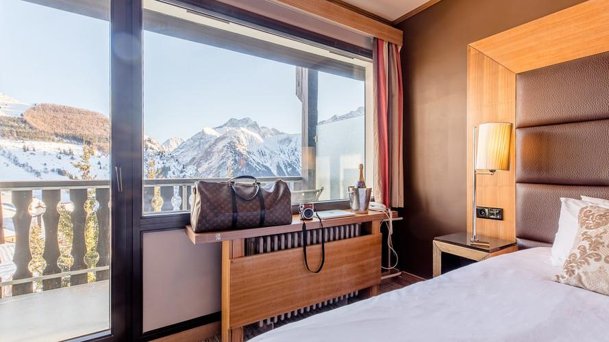 chambre sud avec vue et balcon4.jpg