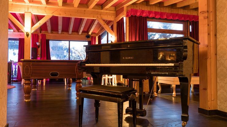 salon avec piano