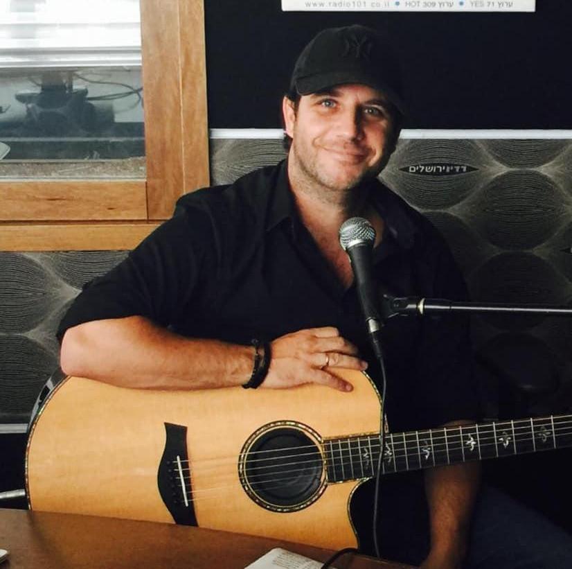 Rony Koin chanteur guitariste