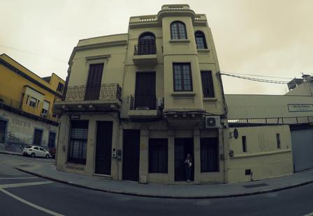 Náš Uruguajský dům...teda jen ten pokoj dole:)