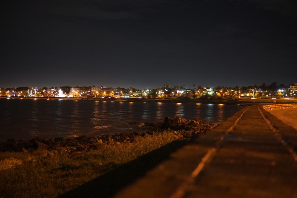 Noční Montevideo
