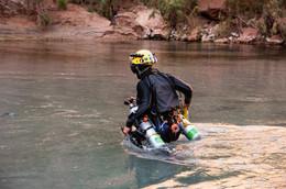 little-colorado-river--dive_49069800228_