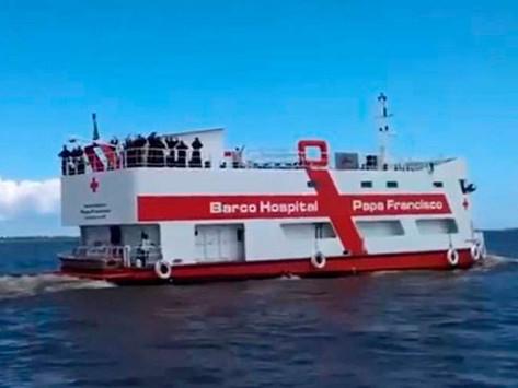 Barco Hospital que recorre la Amazonía responde al mandato de Dios