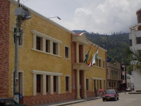 PRESUNTOS SOBRECOSTOS EN CONTRATOS COVID19 EN MÁLAGA Y OTROS MUNICIPIOS: TRANSPARENCIA POR SANTANDER