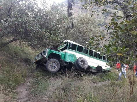 Sube a 9 la cifra de muertos en accidente de bus en Boyacá