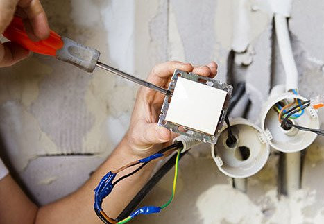 Licensed Commercial Electrician in Fort Lauderdale