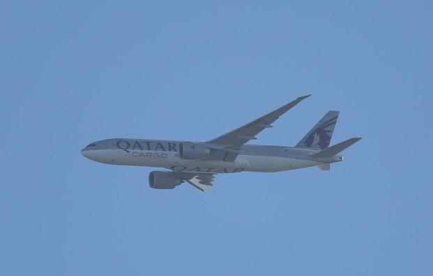 Qatar Cargo 777 008.JPG