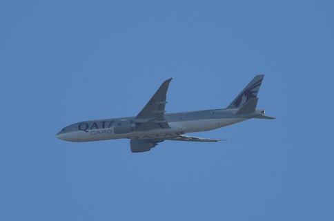 Qatar Cargo 777 020.JPG