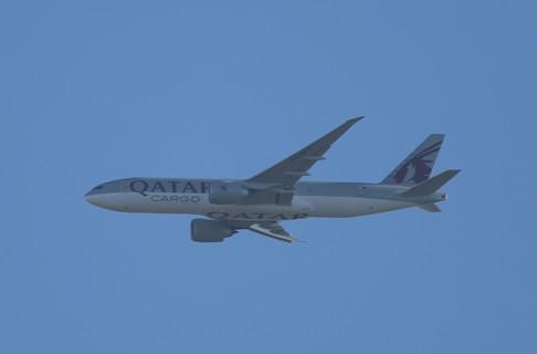 Qatar Cargo 777 009.JPG