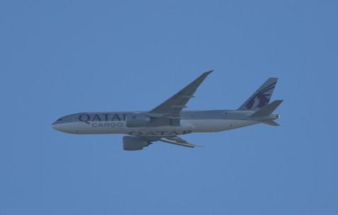 Qatar Cargo 777 014.JPG