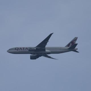Qatar Cargo 777 005.JPG