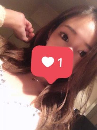 望月 ひな(23歳)