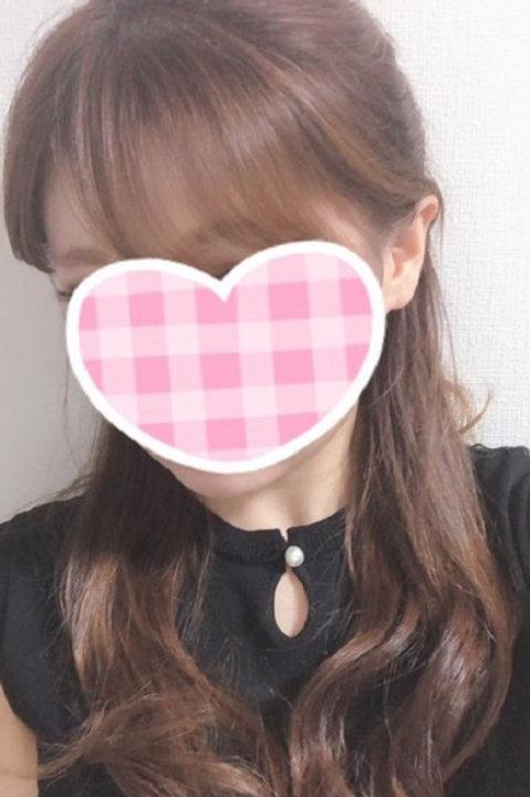 東郷ひな(26歳)