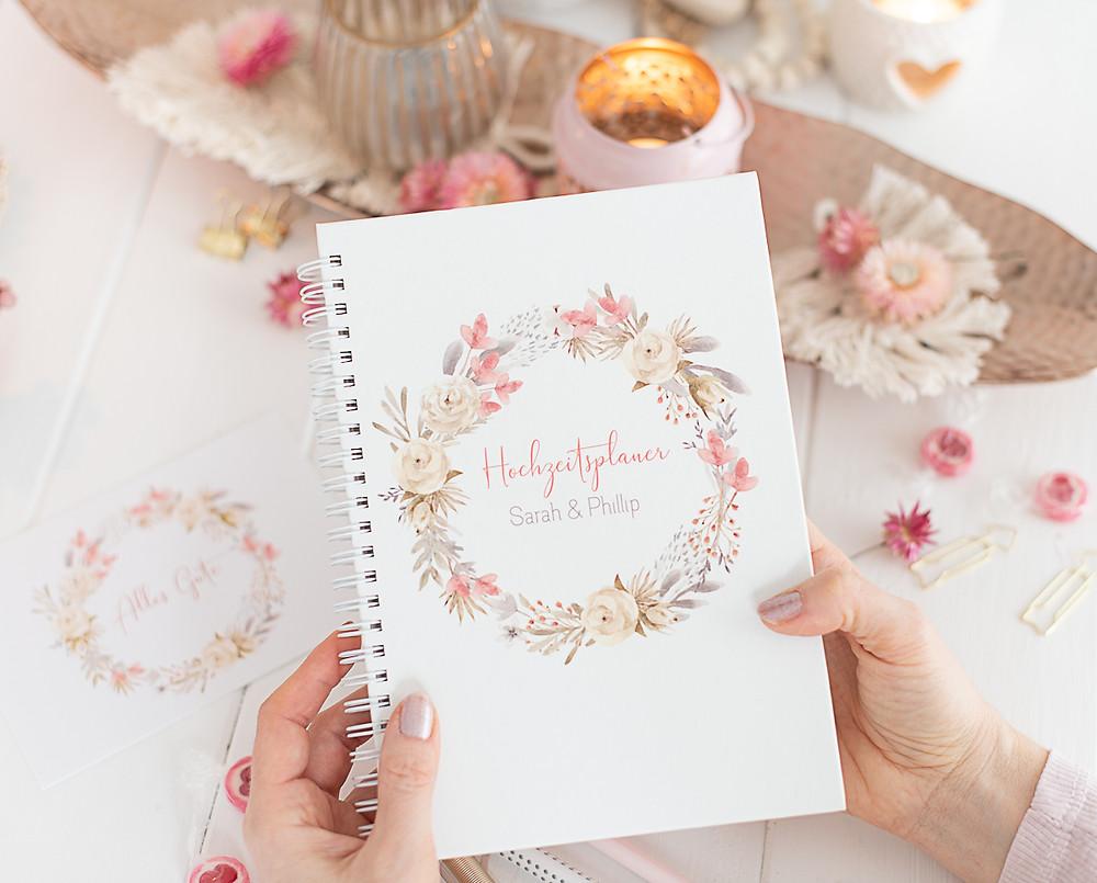 hochzeitsplaner, notizbuch, verlobungsgeschenk