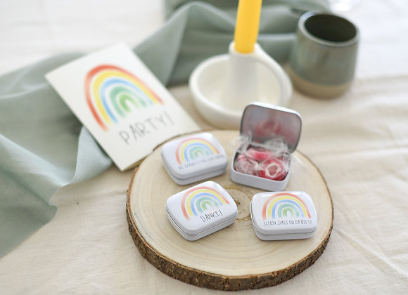 geschenke für gäste, bedruckte döschen, personalisierte gastgeschenke, regenbogen, geburtstag, schön, dass du da bist