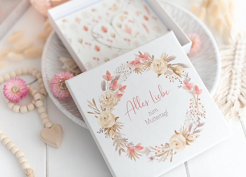 Grusskarte muttertag, mama glückwunschkarte, trockenblumen, gruß für mama, muttertagsgruß