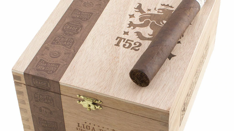 Drew Estate Liga Privada T52 Corona Doble