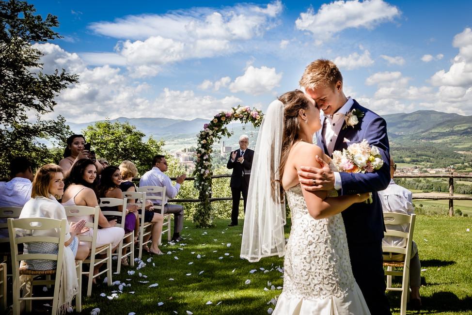 Adrienne + Evigeny | Wedding in Poppi, Arezzo