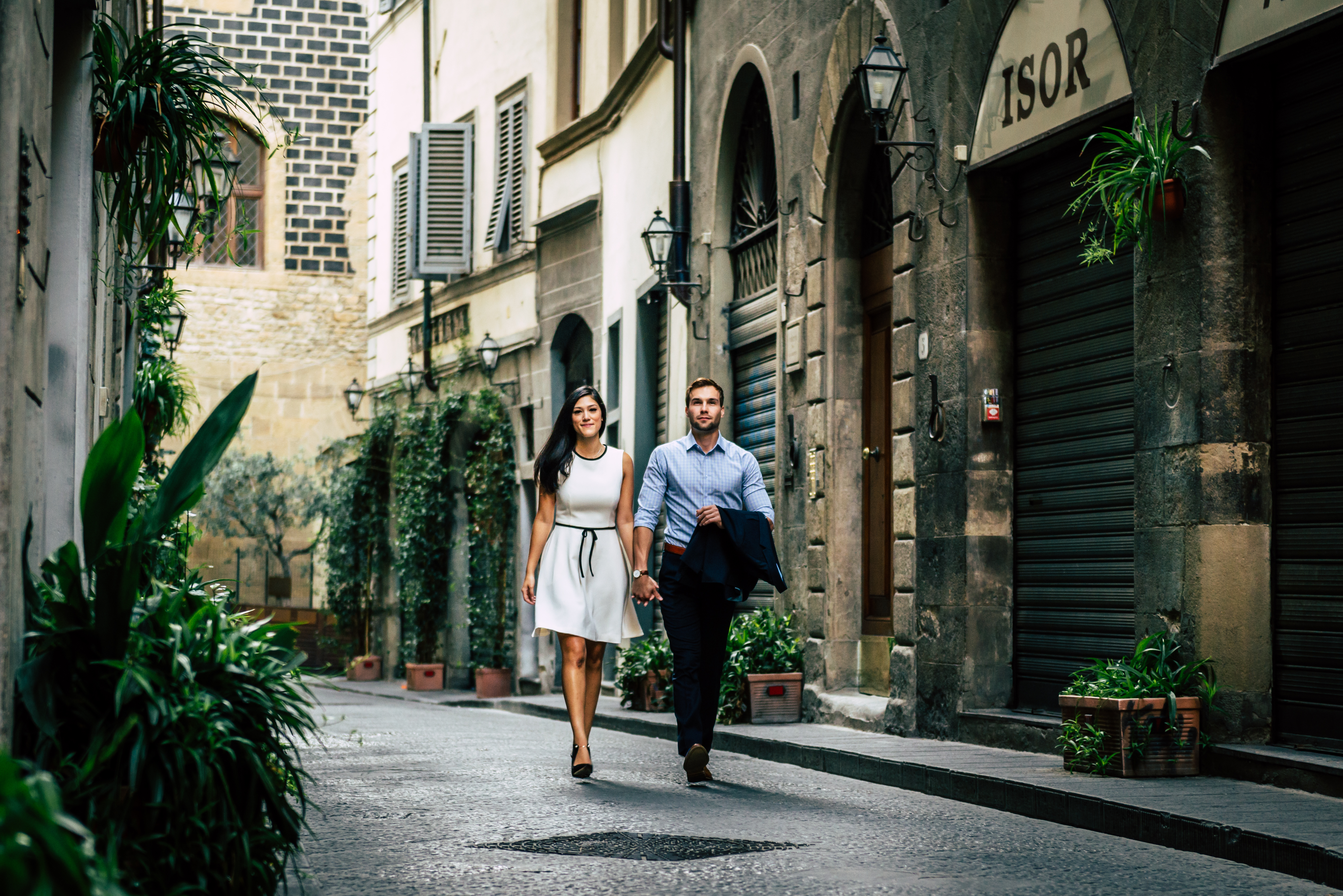 engagement session in tuscany