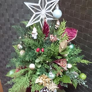 10月18日品川(アスカ)でクリスマスツリーのワークショップ開催