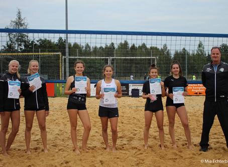 Ein Beach-Volleyball-Turnier für Mädels