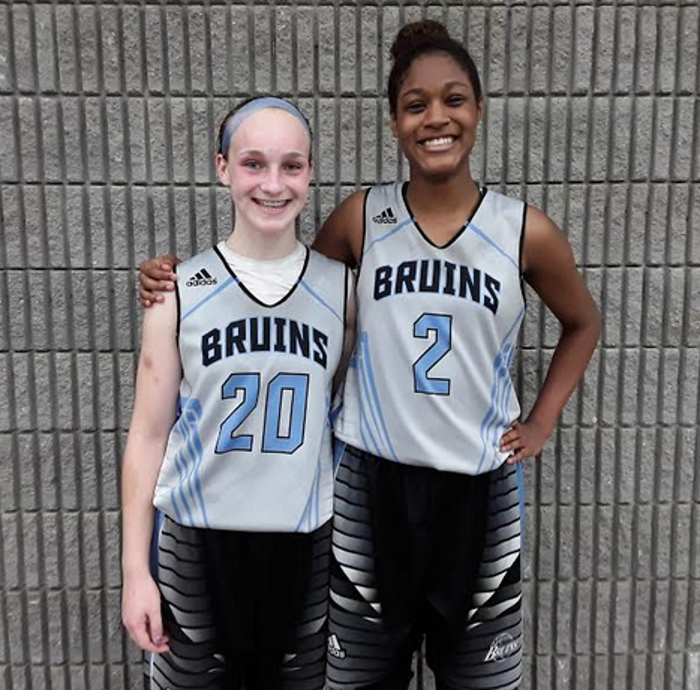 Reilly Sunday (#20) and Journey Thompson of WPA Bruins 2022 Black Stefko (PC:Bob Corwin)