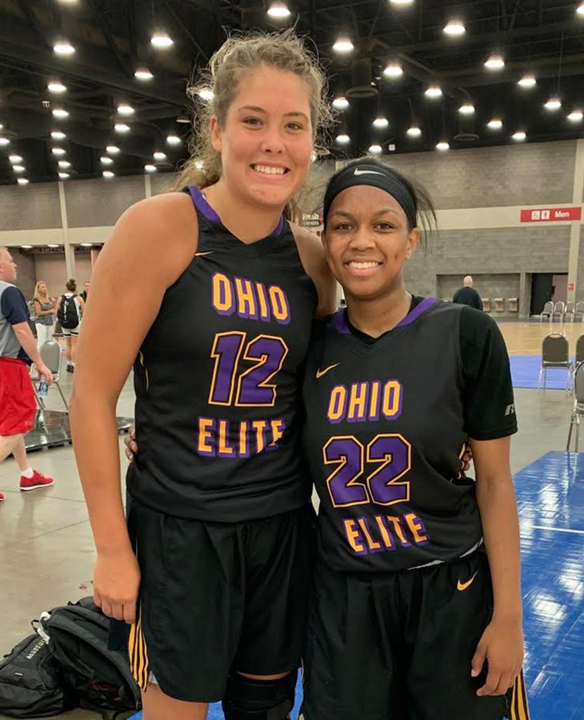 Madison Bartley (#12) and Nyla Hampton of Ohio Elite Black (PC: Tara Arnold)