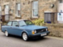 1982 Volvo 242 8.jpg