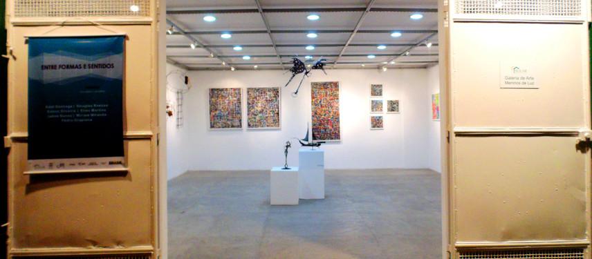 Prorrogada a exposição coletiva Entre Formas e Sentidos que acontece na Galeria de Arte Solar.
