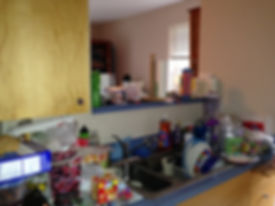 Messy kitchen in Tigad, OR